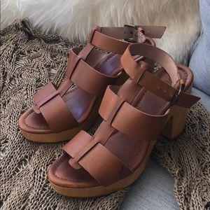 Made well ankle-strap platform sandals